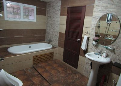 ห้องนอน 1 ห้องน้ำ
